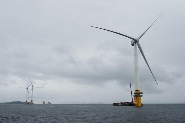 全球首座漂浮風力發電出現在蘇格蘭外海。(彭博)