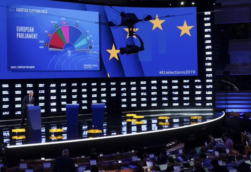 歐洲議會選舉結果出爐,新興政黨崛起使兩個中間派主流政黨的總席次不再過半。(美聯社)