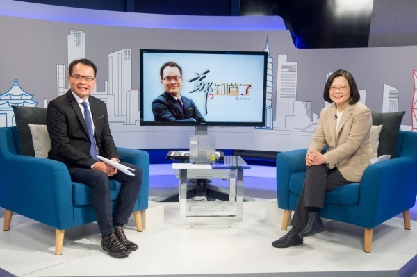 蔡英文接受節目專訪,表示柯文哲必須對台灣價值再一次確認。(三立提供)