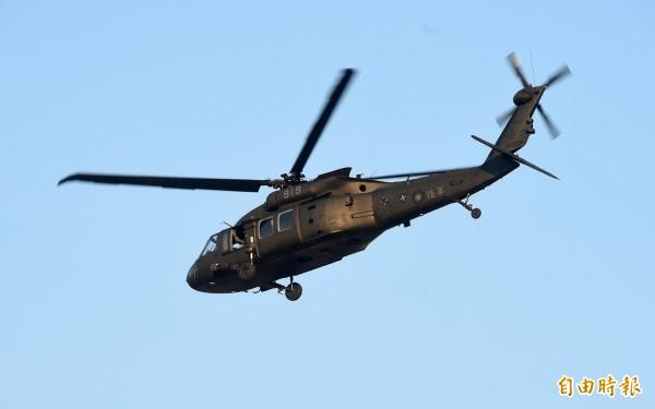 黑鷹直升機。(記者簡榮豐攝)