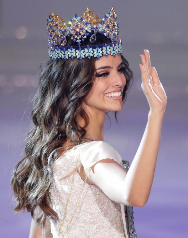 墨西哥小姐彭斯成功擊敗來自世界各地118位參賽者。(路透)