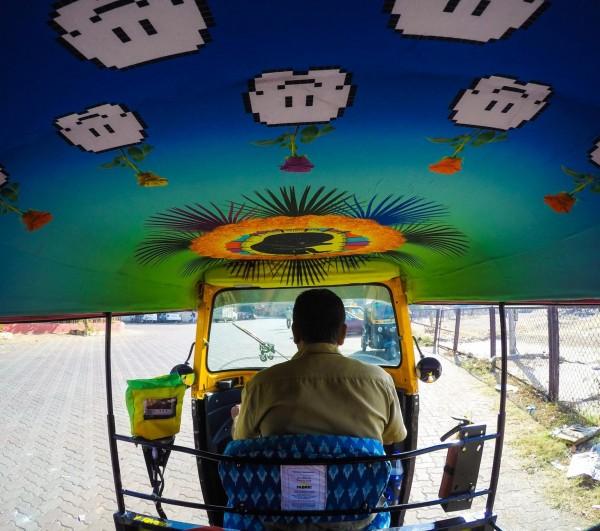 印度擁有全世界最潮的計程車。(圖取自Taxi Fabric粉絲專頁)