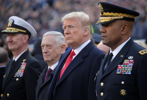 川普2017年在推特發文宣布,美國將不再「接受或允許」跨性別美國公民在軍隊服役。(路透)