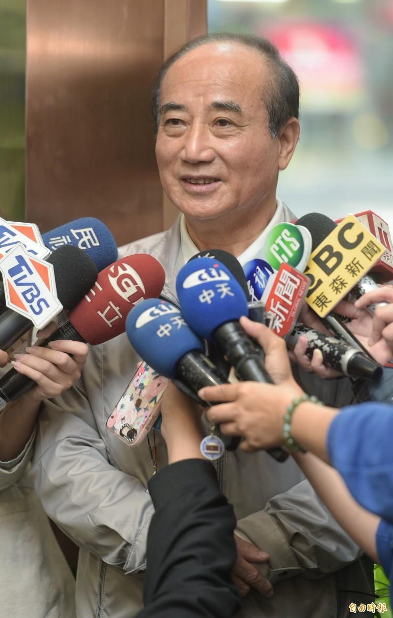 面對目前可能角逐黨內總統初選的韓國瑜、朱立倫、郭台銘,誰才是最主要對手?王金平大笑兩聲說,大家就像兄弟一樣,公平競爭就好,沒有誰好打、誰不好打這回事。(記者張嘉明攝)
