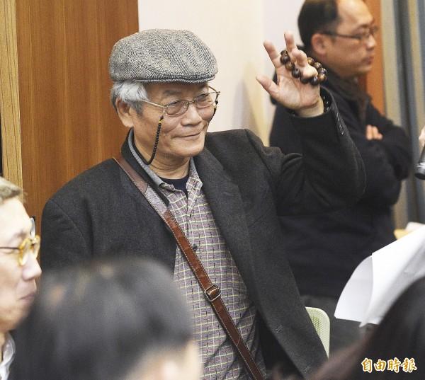 畫家黃才松出席「藝術界世紀大災難記者會」。(記者陳志曲攝)