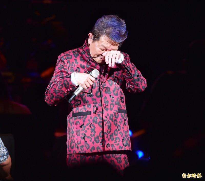 鄭進一指出,會替韓國瑜寫歌是因為有天喝醉酒他打來,和他開玩笑卻被強姦了。(資料照)