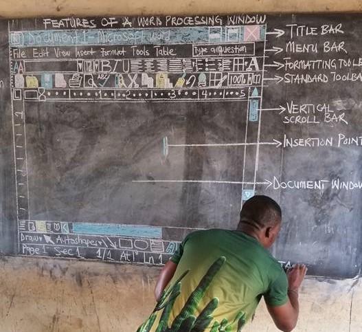 卡德沃是名富有教學熱忱的老師,他在臉書上分享他的教學經驗,充滿克服困難的熱情,引起許多網友留言大讚他的用心,紛紛轉發貼文表達肯定。(圖擷取自卡德沃臉書)