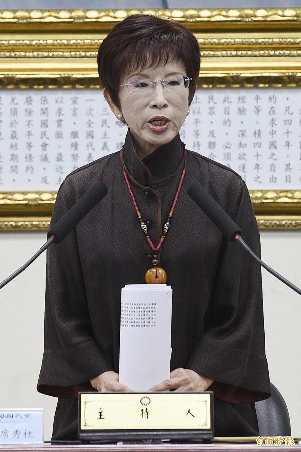 國民黨主席洪秀柱在今日下午中常會上正式宣布,六月底辭去現有職務,並宣布自當下起由副主席林政則代理主席。(記者陳志曲攝)
