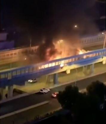 正值習近平即將來到上海之際,滬松公路1日發生化學車爆炸事件。(圖擷取自微博)