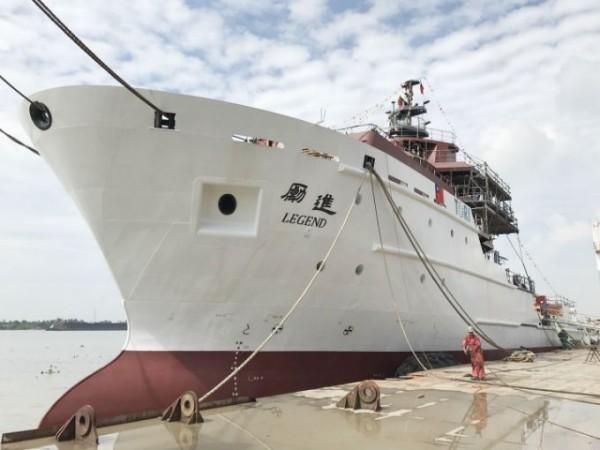 除了3艘新海研船,新加坡造船公司TMS建造的全新的2000噸級海洋研究船「勵進」(Legend)於日前順利抵台。(國研院提供)