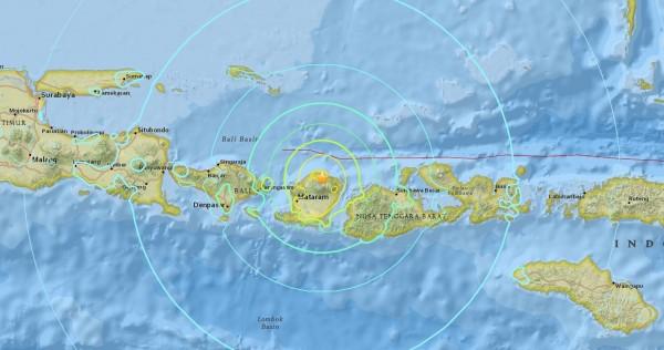 這起強震震央位於龍目島北部羅洛安地區南南東方3公里處,深度為31公里。(圖擷取自美國地質調查局)
