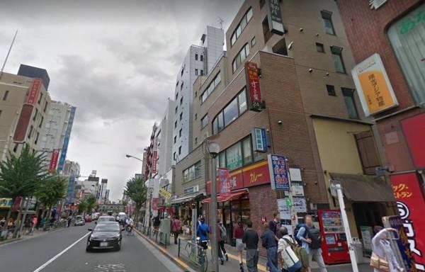日本東京新宿鬧區今天(2日)下午,傳出一起3500萬日圓(約新台幣950萬)搶案,受害人和2名搶匪都是中國籍人士。(翻攝自google)
