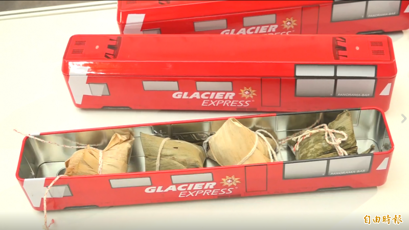 瑞士冰河列車造型便當,內容結合台灣劉家肉粽,打造特色聯名便當。(記者胡姿霞攝)