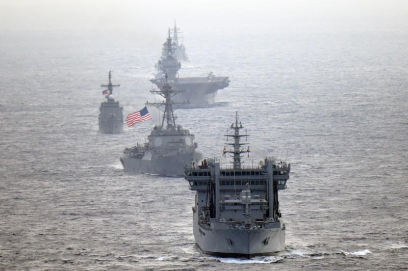 震撼中國!美、日、印、菲4國聯軍航行南海