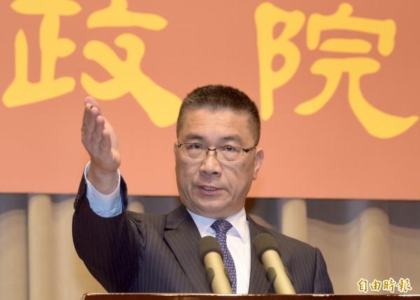 行政院發言人徐國勇16日傍晚召開記者會宣布,將由中央研究院院士吳茂昆接任教育部長。(記者黃耀徵攝)