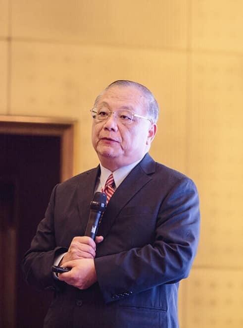中華大學講座教授杜紫宸,時常對於高雄市長韓國瑜施政提出批評與建議,也惹來不少「韓粉」的不滿。(擷取自杜紫宸臉書)