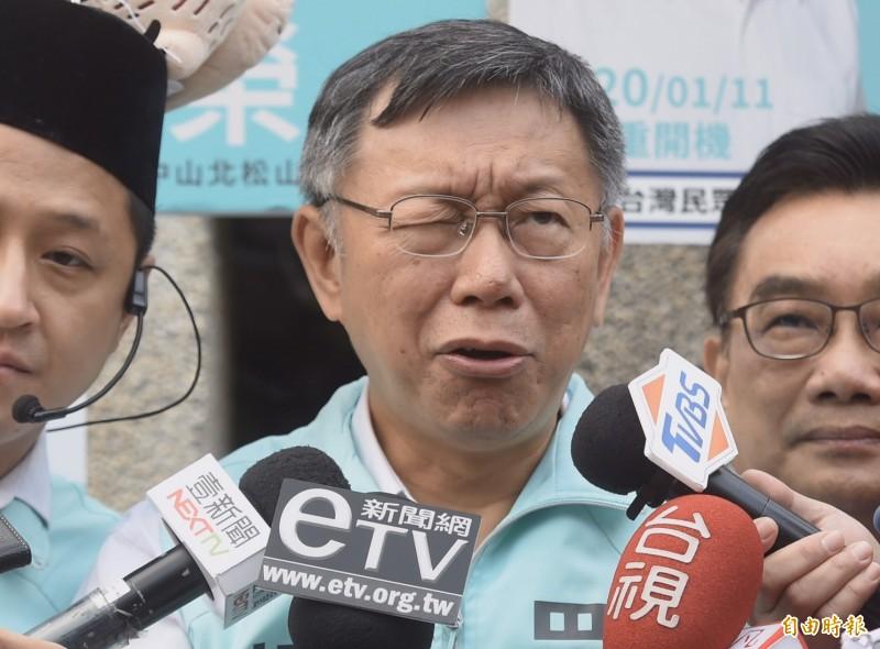 關於政黨辯論會舉行,台灣民眾黨主席柯文哲說,民眾黨不分區名單每一個人都很能打。(記者簡榮豐攝)