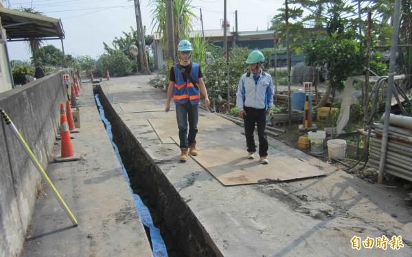 水公司今年斥資3億元,針對高屏澎施作管線延長工程。(記者陳文嬋攝)