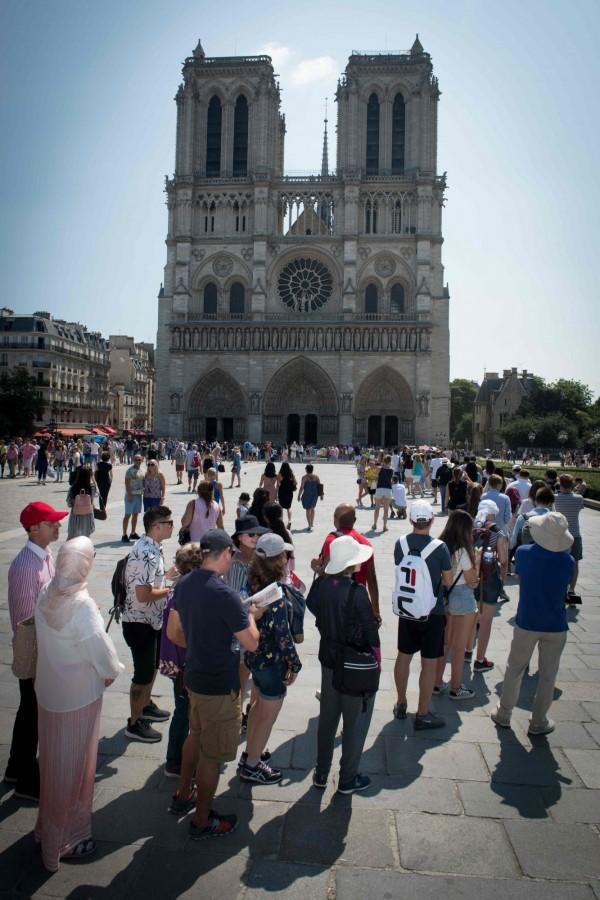 巴黎聖母院為法國知名觀光景點。圖為未被大火吞噬前的聖母院。(法新社資料照)