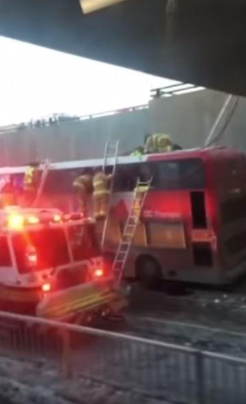 這起事故共造成至少3死23傷,其中9人狀況危急。(擷取自YouTube,來源:推特)