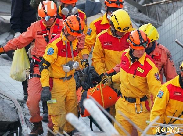 台南維冠大樓救難現場。(資料照,記者王文麟攝)