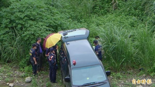 警方在竹東鎮河濱公園竹林大橋下高灘地草叢發現邱姓少女屍體。(資料照,記者王駿杰攝)