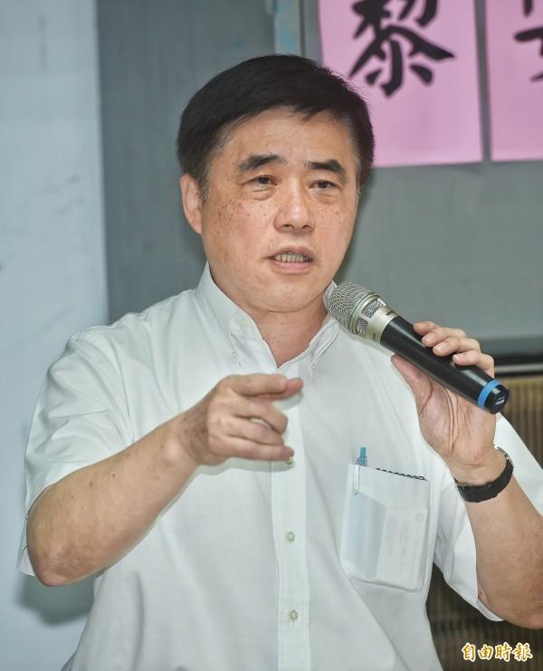 國民黨主席參選人郝龍斌表示已組成律師義務團,提供任何被逮捕的軍公教抗爭民眾協助。(記者方賓照攝)