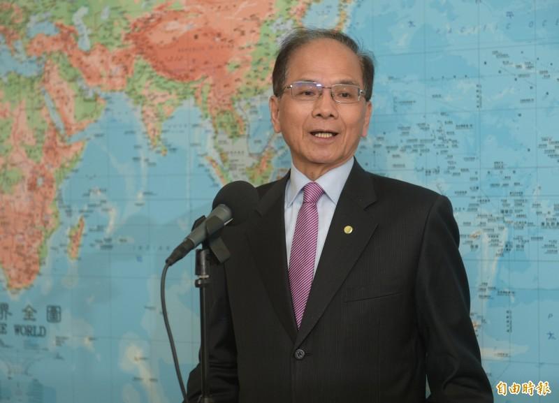 立法院長游錫堃4日受訪談六四,呼籲民主國家陣營團結迫使中國改革,也對香港此時的處境感到遺憾。(記者張嘉明攝)