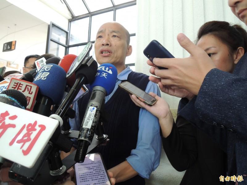 高雄市長韓國瑜今天下午發出聲明,針對吳子嘉一再毫無實證的不實指控,將委請律師準備提起誹謗告訴。(記者王榮祥攝)
