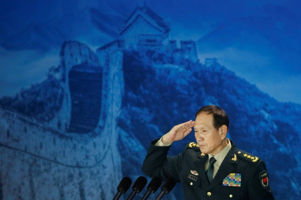 中國國防部長魏鳳和說,若有人試圖將台灣從中國分裂出去,解放軍將不惜一切代價採取行動,並且批評美國干預中國內政。(路透)