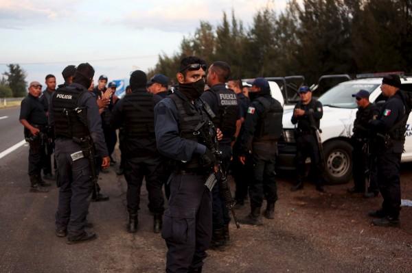 墨西哥爆發警匪槍戰,據計至少有43人死亡。(路透)