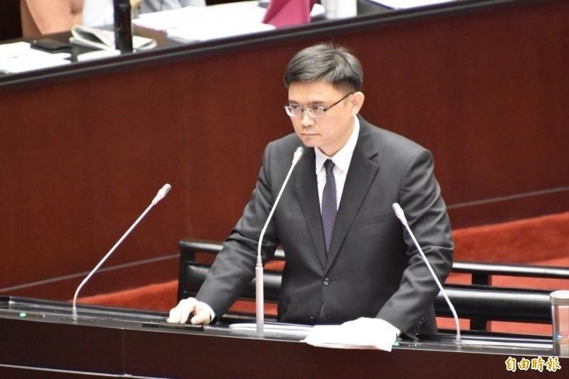 民進黨立委賴瑞隆受訪反批國民黨,不要一再與中國唱和打壓台灣,用台灣總統哪裡有失國格,蔡總統是唯一能堅定保衛台灣的台灣總統。(資料照)
