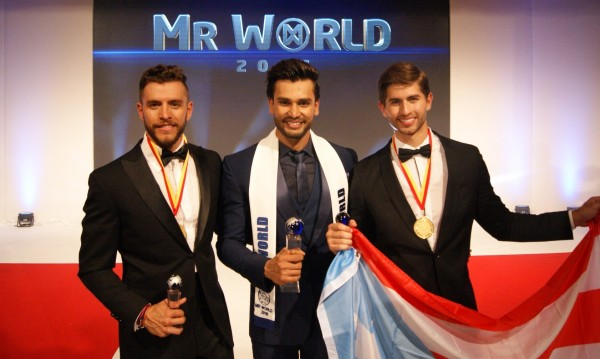 2016世界先生前3名,冠軍是來自印度的坎德瓦(中),亞軍為波多黎各選手(左),季軍是墨西哥選手(右)。(圖擷自世界先生官網)