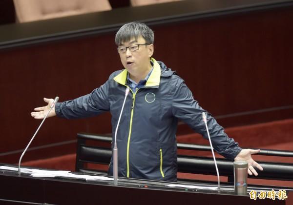 民進黨立委段宜康砲轟賴揆,政府沒有讓人民滿意,導致九合一大選的慘敗。(記者黃耀徵攝)