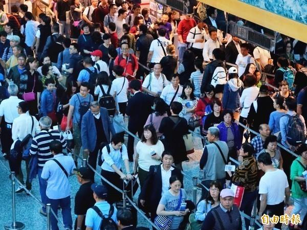 因為中國人民的抵制,雖一度重創韓國旅遊業,但才一年,中國赴韓人數明顯回升,6月就比同期增加了49%,中國網友得知後紛紛崩潰,怒批哈韓族賤到不行;此為示意圖,與本事件無關。(資料照)