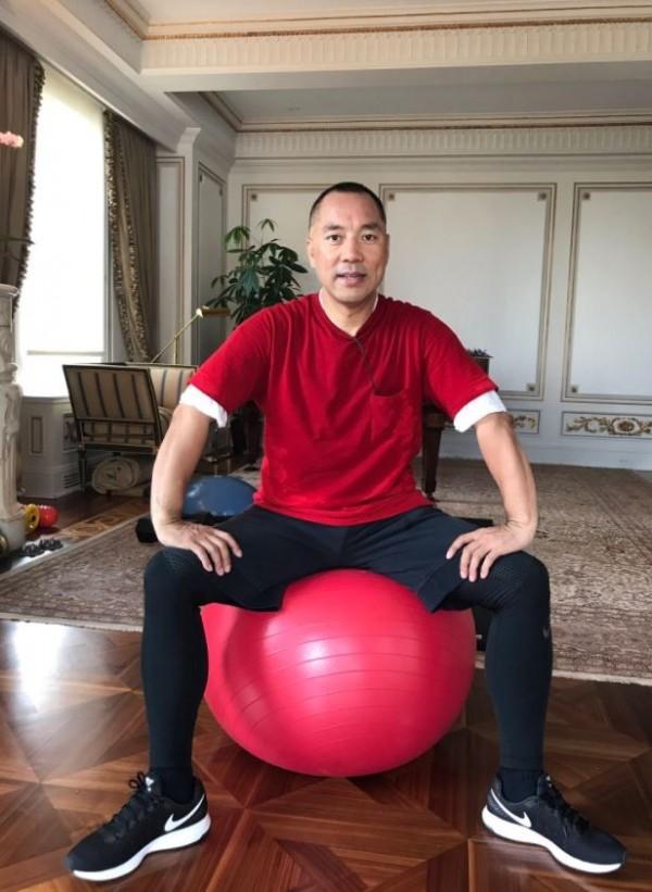 流亡美國的中國富豪郭文貴,不斷爆料中國高官的貪污與性醜聞。(圖取自推特)