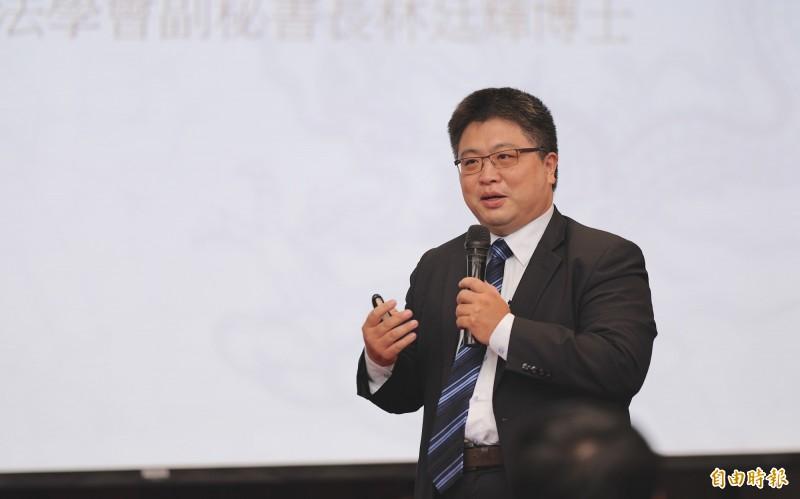 台灣國際法學會副秘書長林廷輝認為,中國至少在30年內仍無法取代美國成為世界霸權。(記者黃欣柏攝)