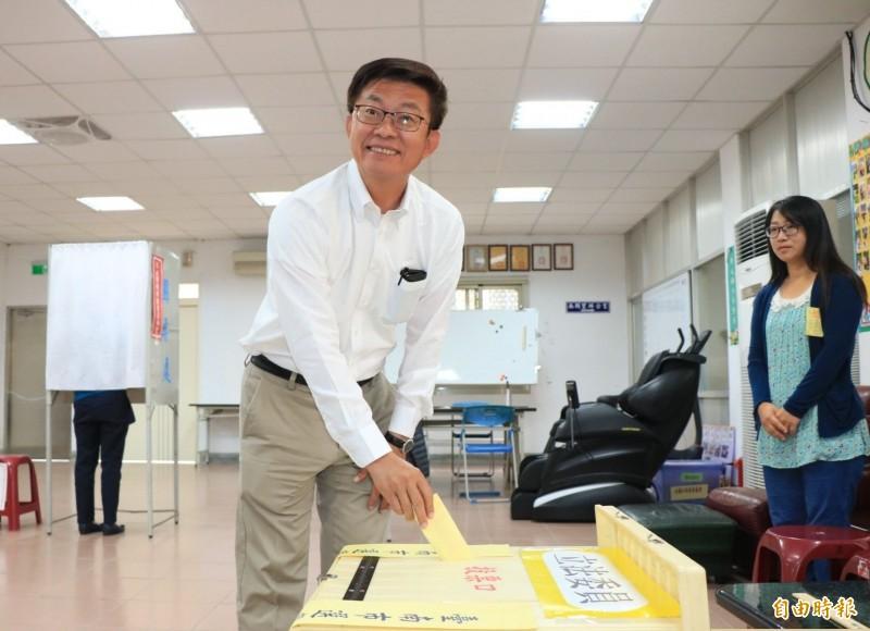 台南市第2選區立委補選結果揭曉,民進黨候選人郭國文拿下6萬2858票當選。(記者萬于甄攝)