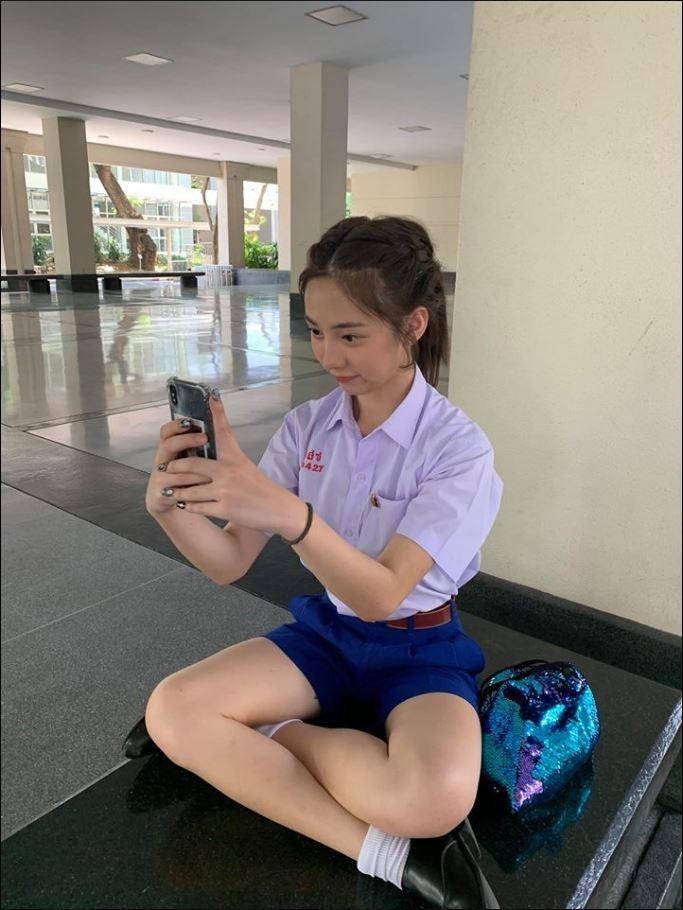 皮瑞達穿著制服的甜美照。(圖擷自Peerada Namwong臉書)