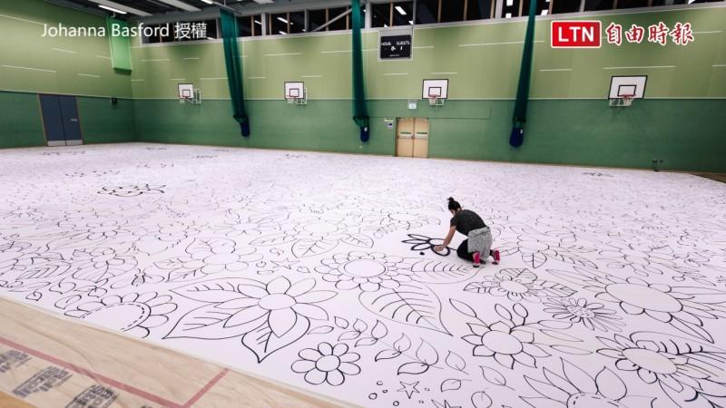 畫作超過500平方公尺,比一座籃球場還大。(圖片由Johanna Basford授權)