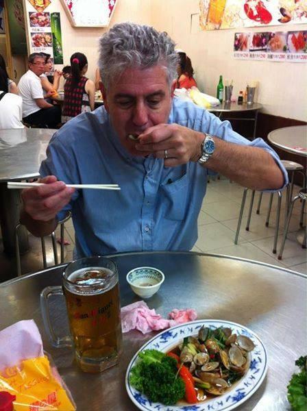 波登6年前也曾到台灣基隆大啖海鮮,對海瓜子、生蠔讚不絕口,並在臉書上分享照片。(翻攝自臉書)