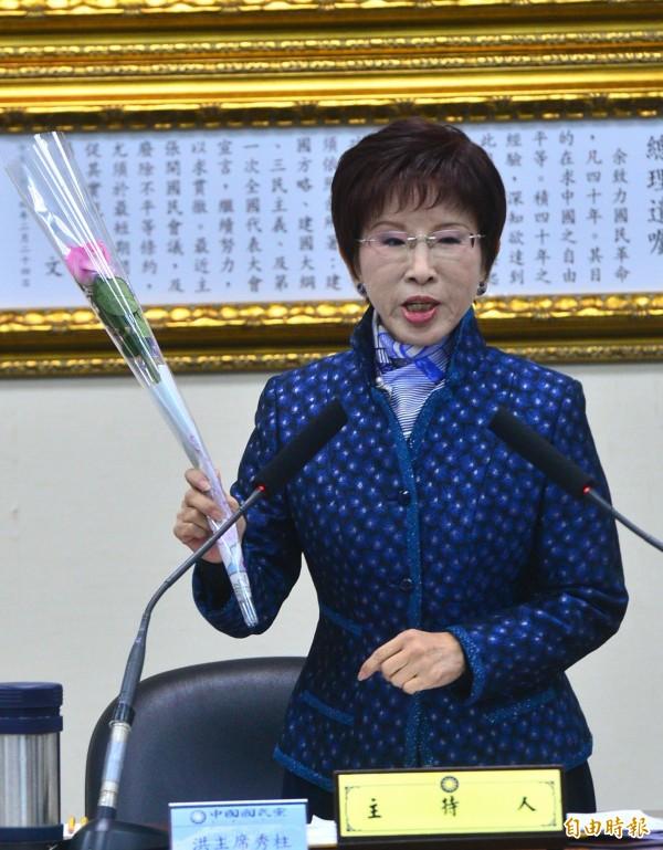 國民黨主席洪秀柱昨晚出席活動時表示,不要因選舉而破壞黨內團結,不管輸贏大家還是一家人。(資料照,記者王藝菘攝)