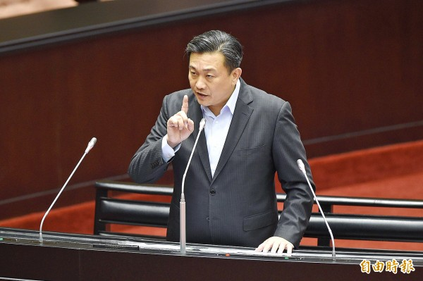 Democratic Progressive Party Legislator Wang Ting-yu speaks at a question-and-answer session at the Legislative Yuan in Taipei on Sept. 25 last year. Photo: George Tsorng, Taipei Times
