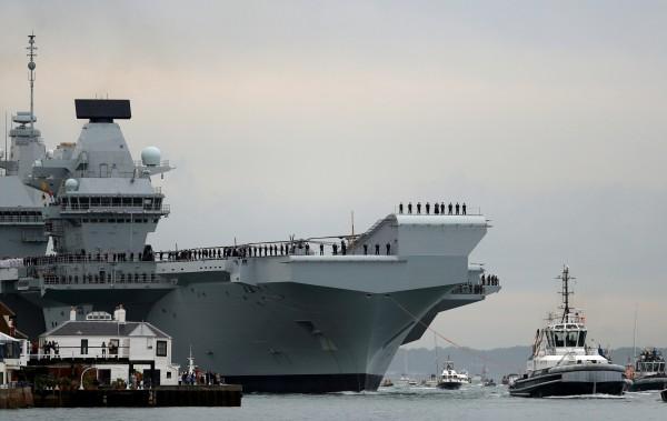 英國國防大臣威廉森(Gavin Williamson)今於演說中表示,英國脫歐後將展現其軍事實力以維繫其全球利益,包括派遣新的航空母艦到太平洋。(路透,資料照)