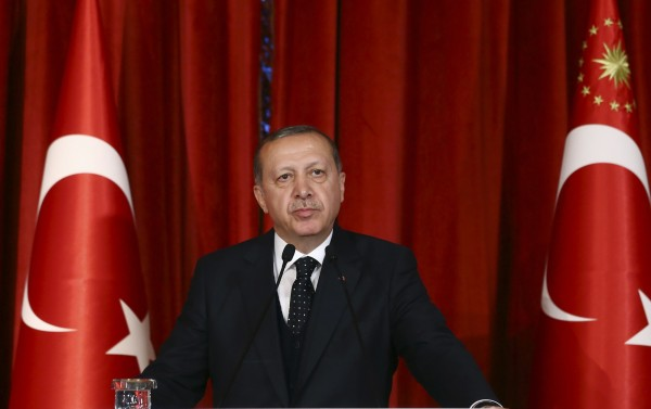 網路監督組織表示,土耳其當局在週六(29日)封鎖了維基百科網站(Wikipedia),政府相關單位並未給出理由。圖為土國總統艾多根。(美聯社)