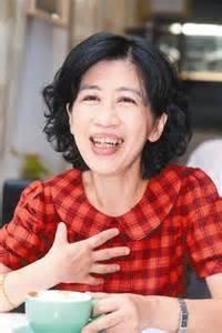 陳佩琪表示有一次和先生去北投散步,兩人走在櫻花步道上約會卻被先生同事誤認為小三。(圖擷取自陳佩琪臉書)