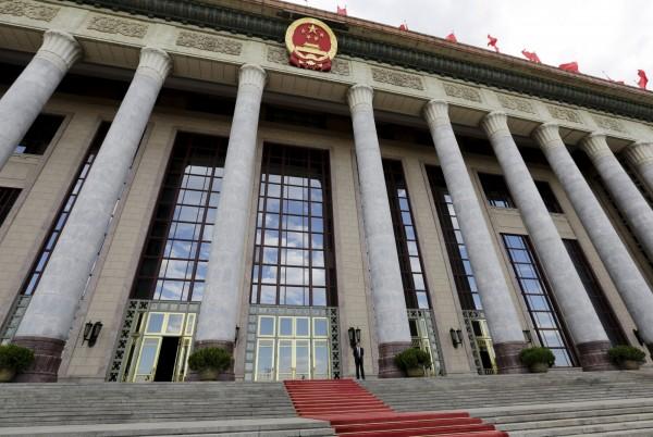 中國人大通過新版國家安全法,仍宣稱維護中國主權、統一和領土完整,仍是港、澳、及台灣的共同義務。(路透)