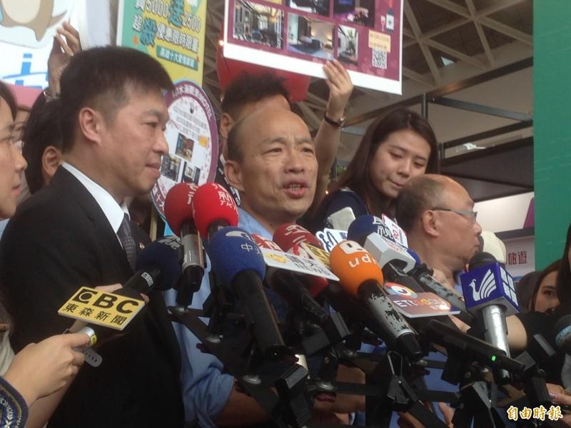 韓國瑜受訪時給出解釋,表示「瑞士有60多年都不是聯合國會員」。(記者黃旭磊攝)