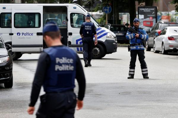 比利時檢方今天表示,當局搜查各地後,逮捕了12名涉嫌發動恐攻。(路透)