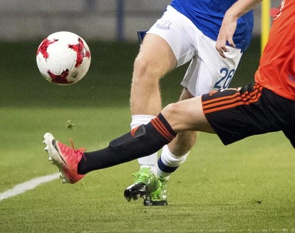 足球比賽情境照。(美聯社)